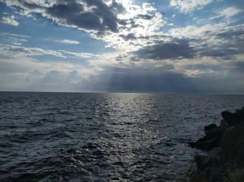 sea_cloudy_sky
