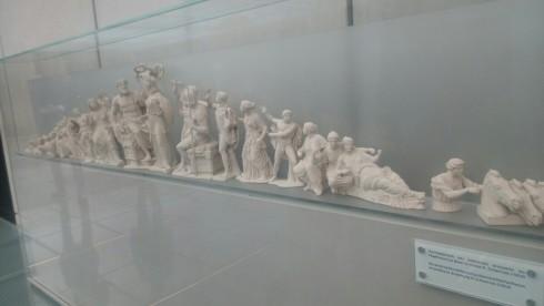 aetoma_people_art_statue_museum_acropoli.jpg