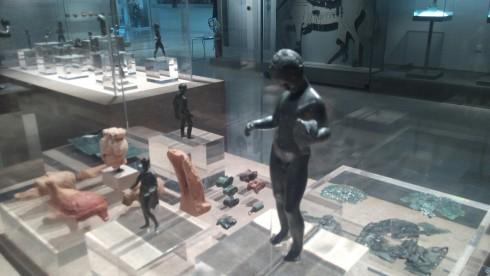 human_statue_museum_body_child