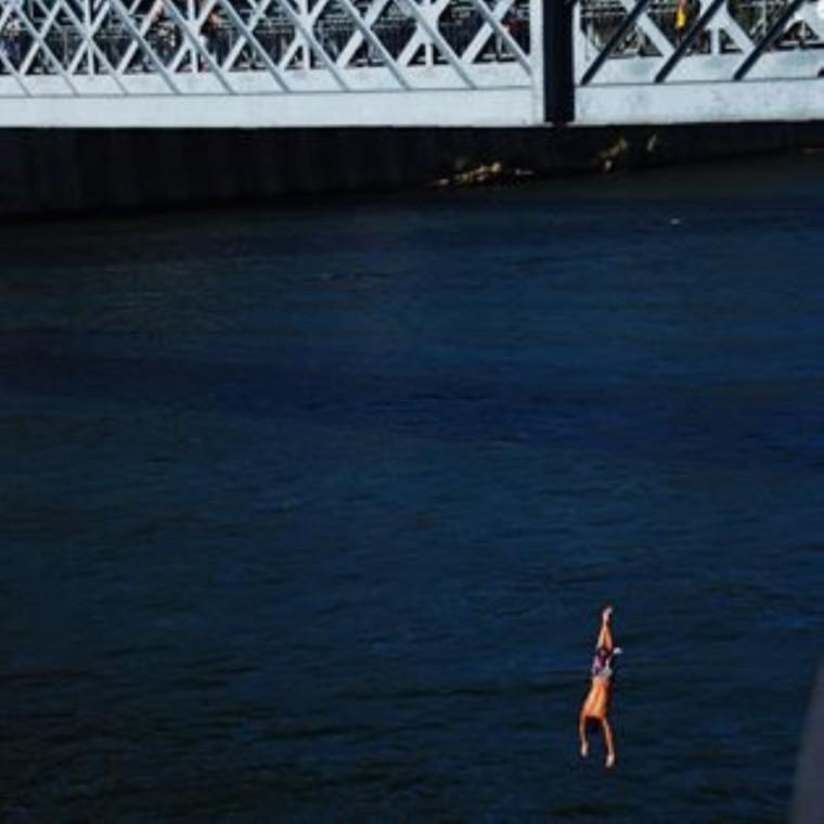 jumping_bridge_extreme_sport_JohnnyDi